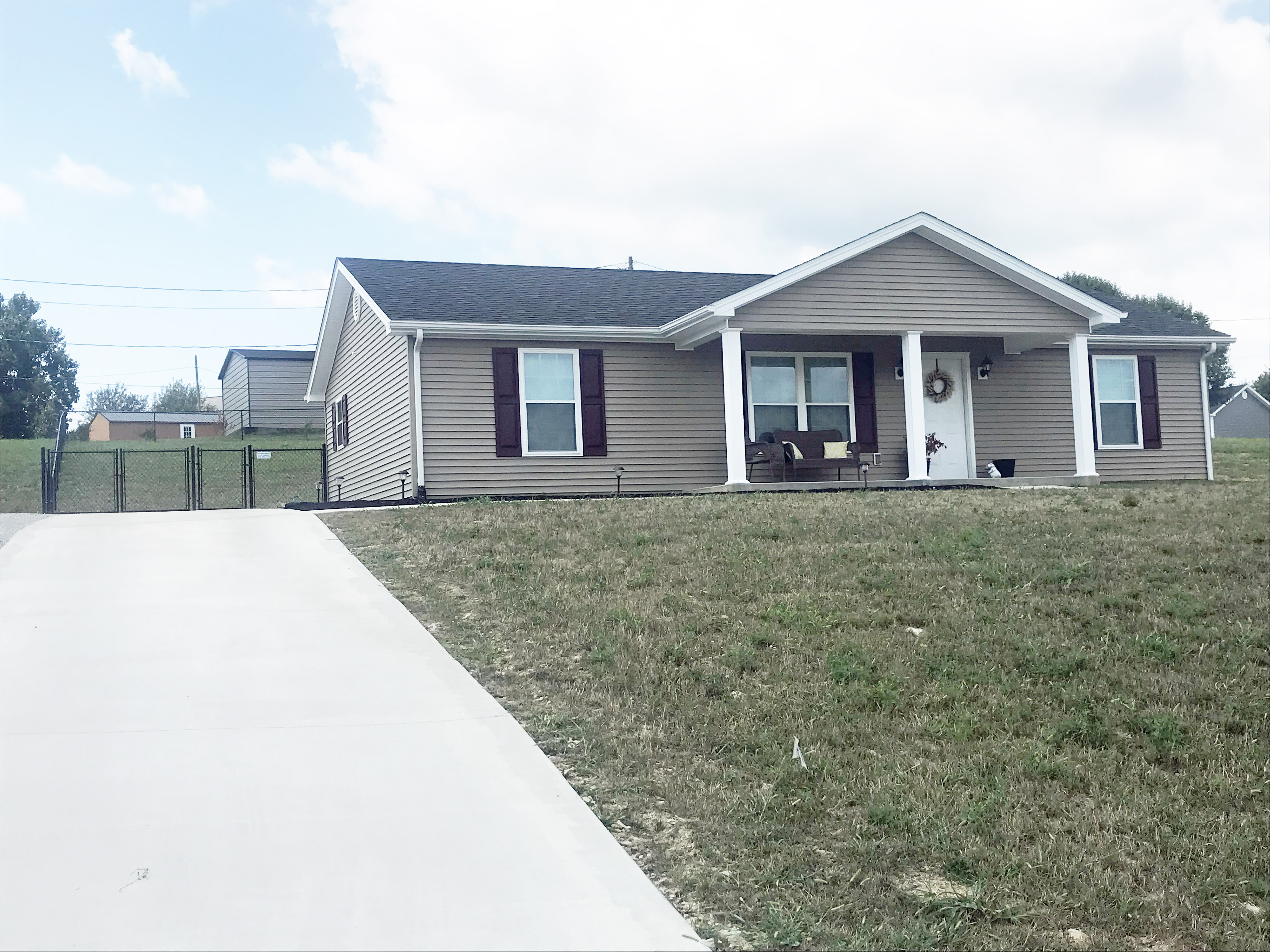 Like New 3 Bedroom 2 Bath Home Homes And Land For Sale In