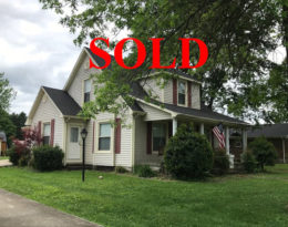 Sold – 1 1/2 Story Home Located On Country Club Drive